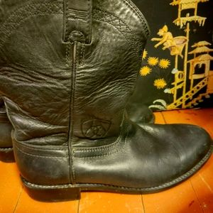 🎯 ARIAT Leather Heritage Boots